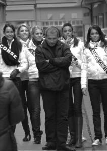 Échauffourée dans la rue Froide à Caen lors d'un tournage d'un clip pour miss France 2011